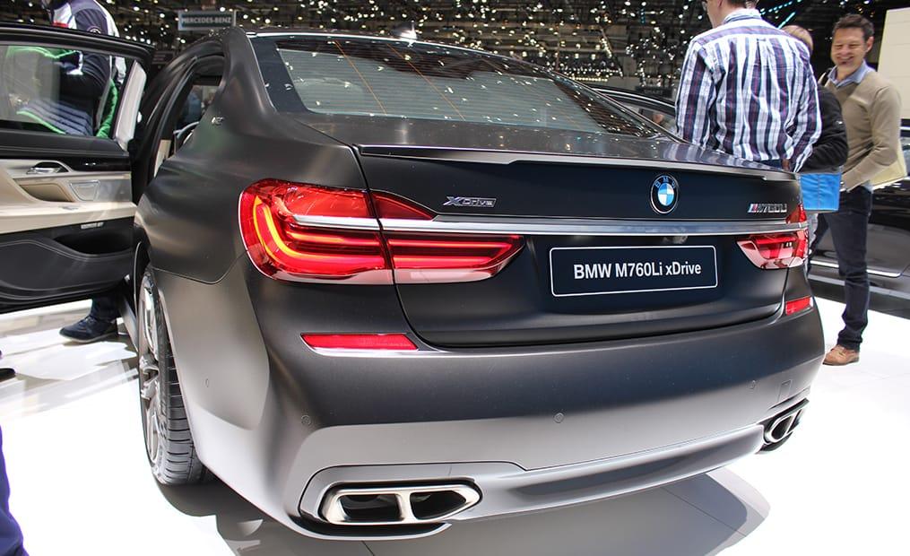 Das zukünftige Topmodell des 7er leistet 600 PS und ein maximales Drehmoment von 800 Nm. 166.300€ ruft BMW hierfür auf.