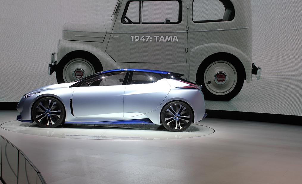 Mit dem IDS Concept sorgt Nissan für Furore. Nicht nur das es vollelektrisch ist, es fährt auch komplett autonom. Dabei werden Pedale und Steuer komplett zurückgezogen, Sitze gekippt und schon sitzt man im Salon.