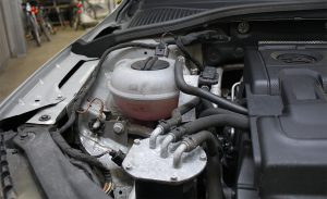 Brems- und Kühlflüssigkeitskontrolle